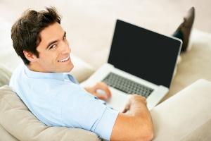 Chatten gehört mittlerweile fast zum Alltag. Man tut es an jedem Ort, auf verschiedenen Websites und Sprachen.