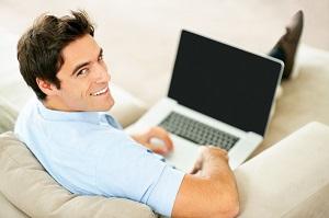 Mithilfe des Online Datings, kann man mit tollen Singles flirten.