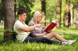 Freunde finden wird mit Online Dating ganz einfach.