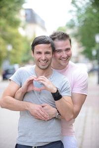 In der gay Community könntest du deinen Traumpartner finden.